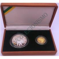 Estojo comemorativo com moeda de OURO e de PRATA - Homenagem aos 500 anos do Descobrimento do  Brasil - 2000